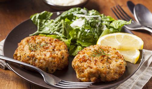Organic Homemade Crab Cakes with Lemon and Tartar Sauce